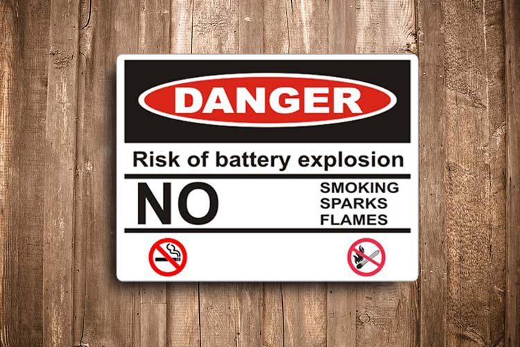 Risk of battery explosion Danger Sign
